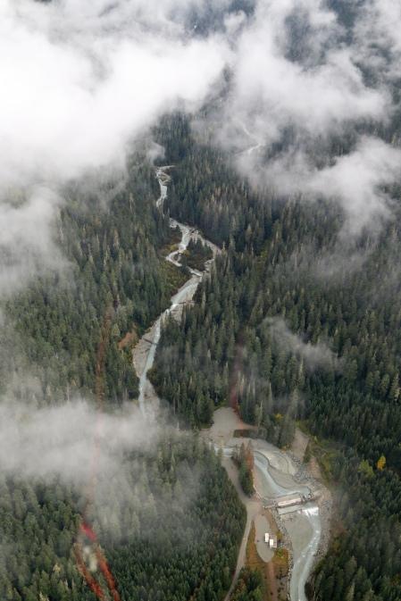 A river runs through it. (The valley)