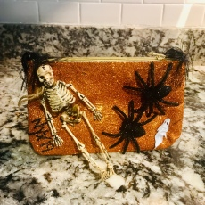 Oliver caught me this purse